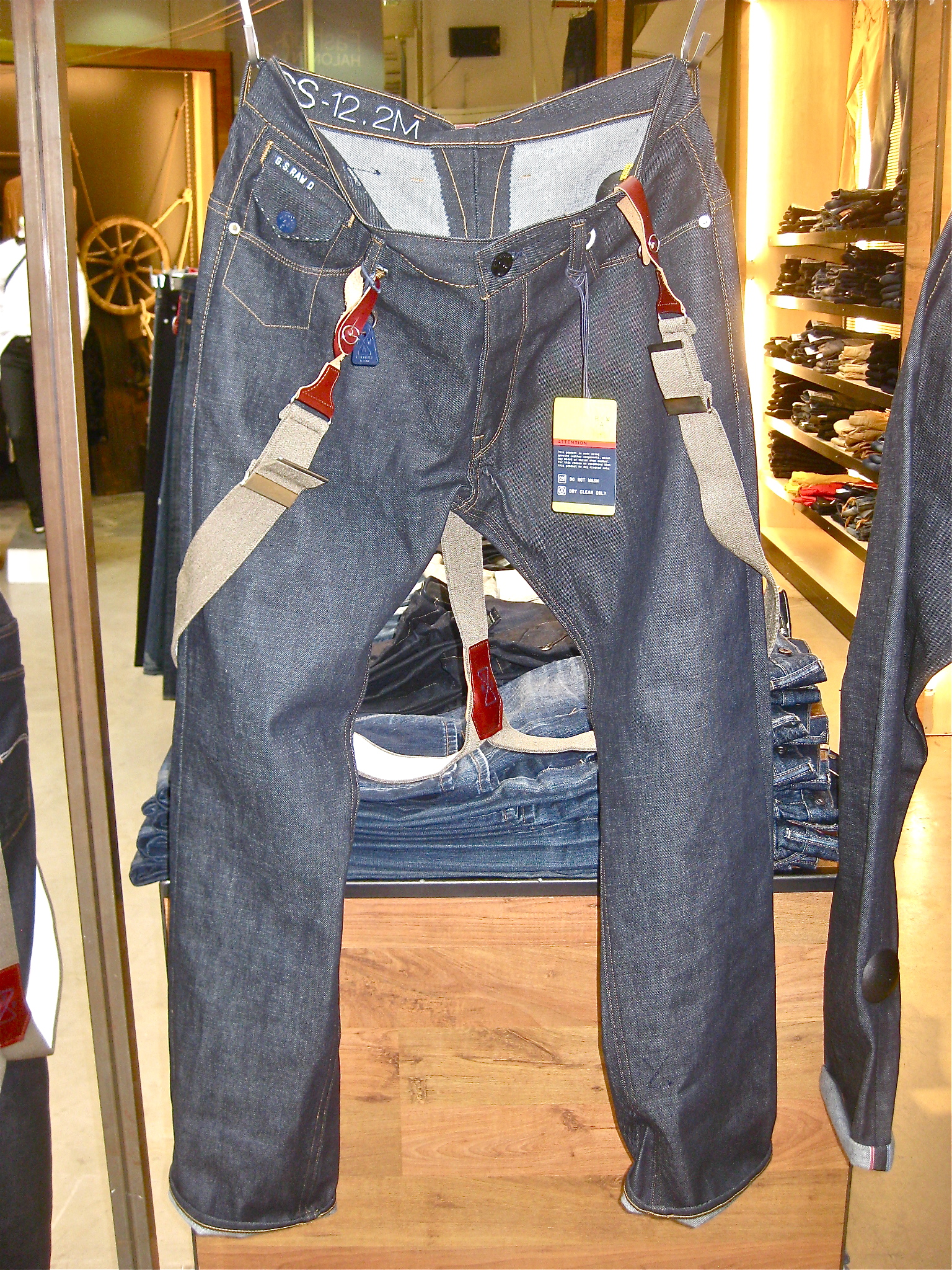 G-starin ekslusiiviseen RAW Essentials mallistoon kuuluva raaka selvage denim, New Morris Tapered 349,90€